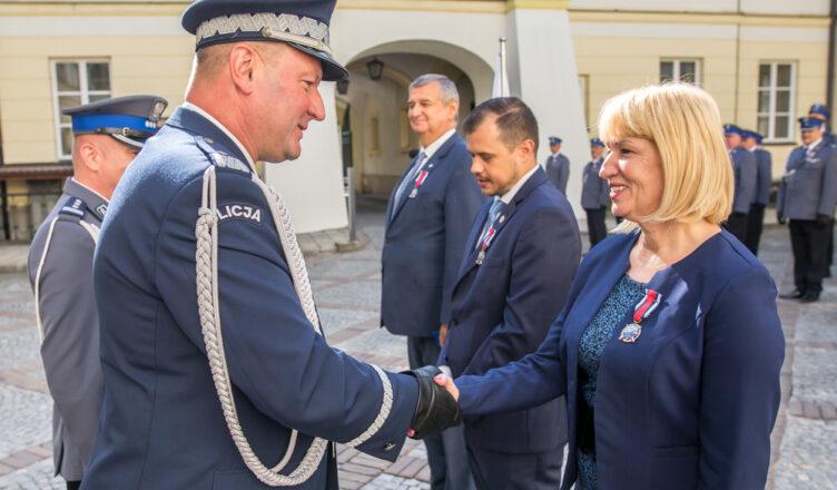 Medal za Zasługi dla Policji dla burmistrz Miasta Ząbki